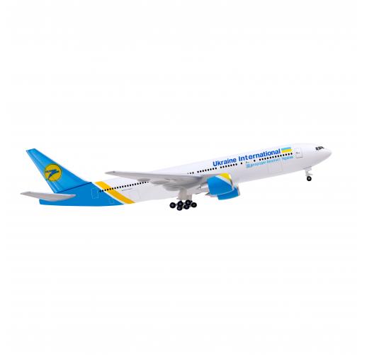 Airplane model Boeing 777-200 UIA
